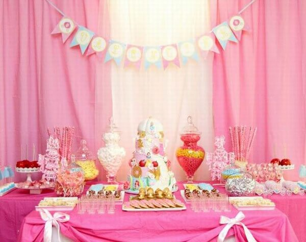 Creative first birthday party themes ideas for baby girls for Baby girl birthday decoration pictures