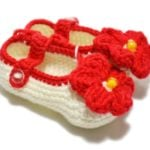 Crochet Baby Booties with Flowers, crochet baby shoes
