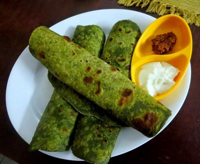 Kids Breakfast Recipe Palak Corn Parathas