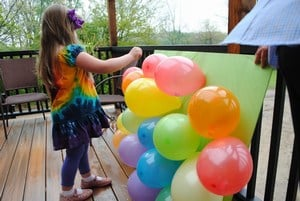 Kids Balloon Pop-up Activities for New Year's Eve