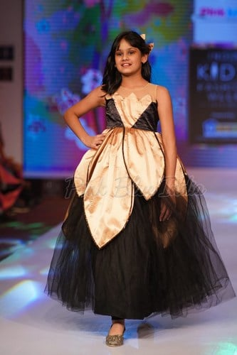 Teenage Birthday Gown and Wedding Party Wear Gown India