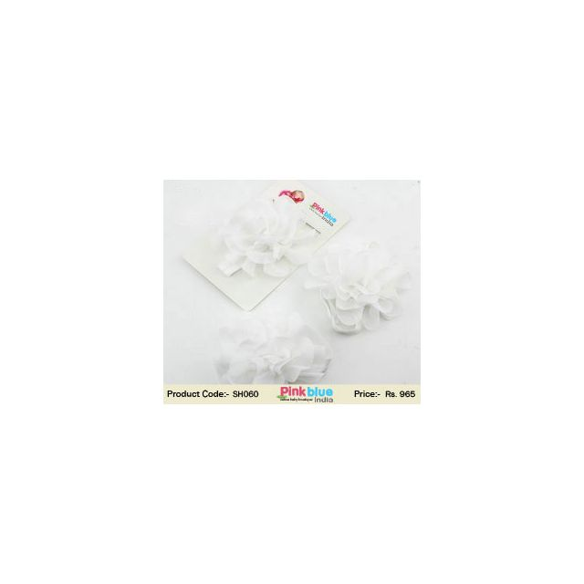 infant toe blooms white