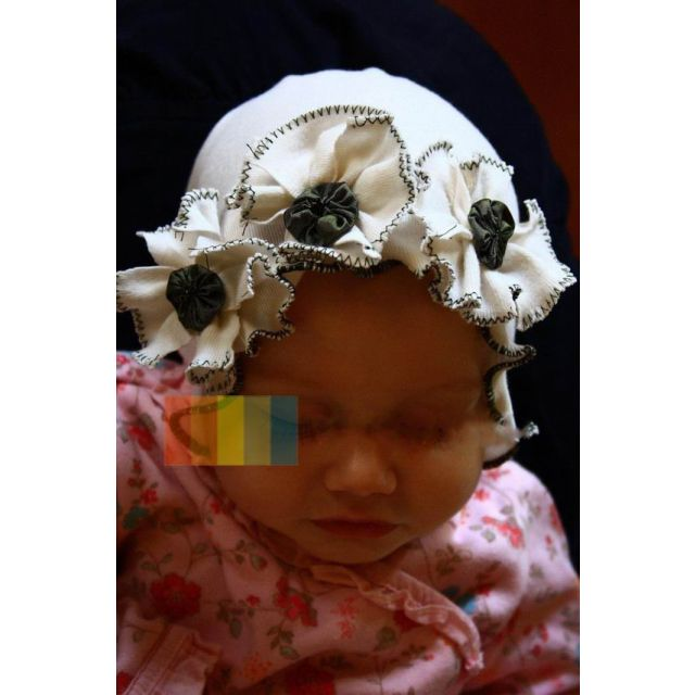 white baby flower cap